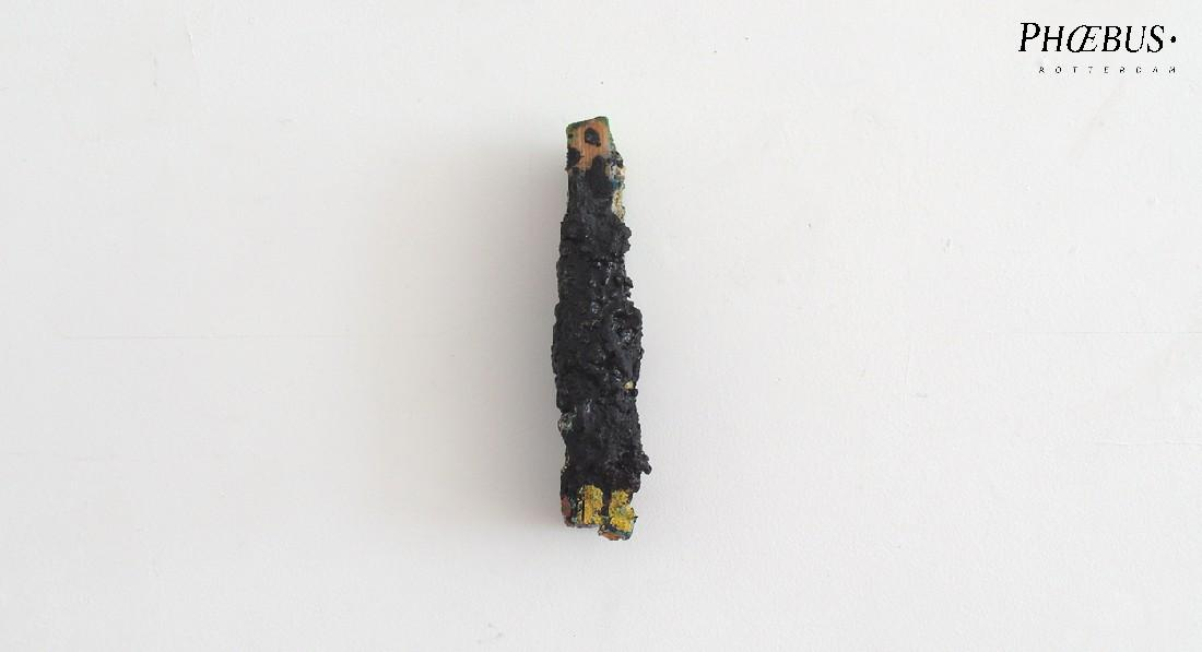 Marc Raven, wandobject, 2016, olie, alkyd, pigment, gips / hout, 22 x 3-5 x 4.5-6 cm. PHŒBUS•Rotterdam